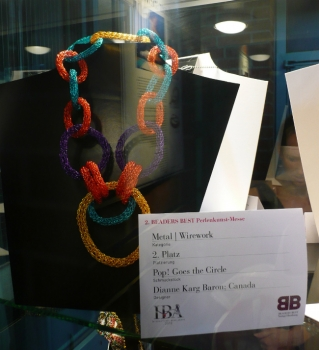 Pop! Goes the Circle wins Award at International Bead Awards 2012