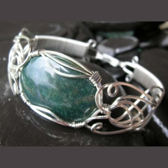 YOJ09-27 Art Nouveau Cab Bangle (2009)